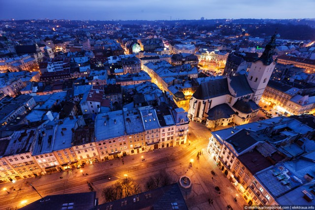 night-lviv-top-view-640x427